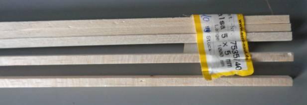 Balsa-Vierkantleisten 5 x 5 mm , 1 m lang,  5 Stück