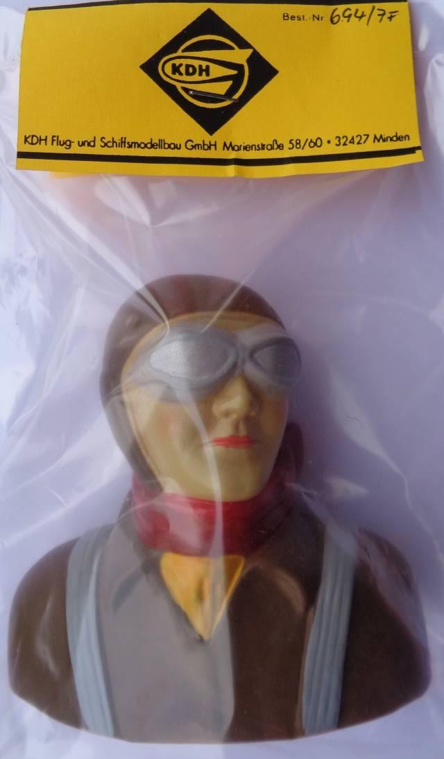 Sportpilot  m. fester Brille, Kunststoff, handbemalt,  1 : 4