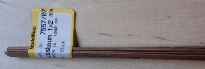 Nussbaum-Vierkantleisten 1x 2 mm, Länge 1 m, 10 Stück