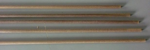 Nussbaum-Rundstab  4 mm, 5 Stück
