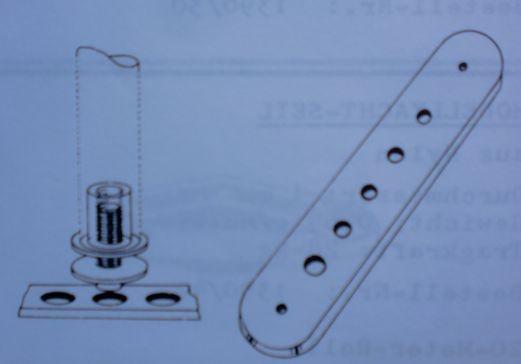 Mastschiene mit Mastfuß u. Höhenverstellung max. 18 mm
