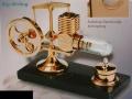 Big-Stirlingmotor, vergoldet, montiert    - Heizluftmotor  -